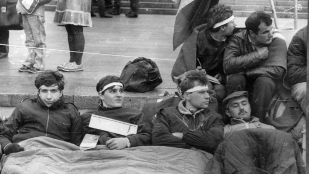 КҐБ проти студентської революції 90-го — оприлюднені документи